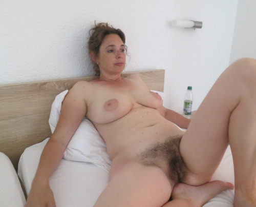Femme mariée veut découvrir le sexe anal dans le 35
