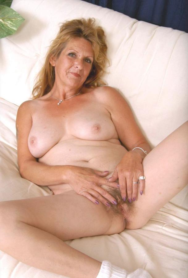 Femme mariée veut découvrir le sexe anal dans le 61