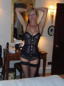Maman infidele du 56 cherche amant TTBM discret