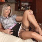Rencontre extraconjugale dans le 15 avec cougar sexy mariée