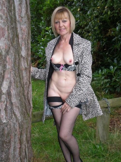 Rencontre infidele dans le 56 avec femme mature sexy