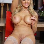femme sein nu du 51