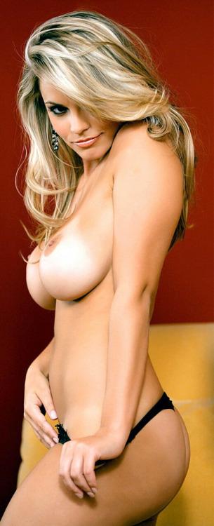 jeune mariee nue pour sodomie dans le 14