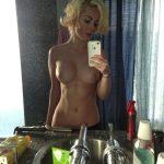 une femme nue du 28 mature