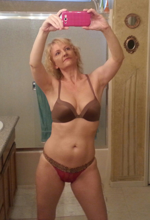 une femme nue du 57 mature
