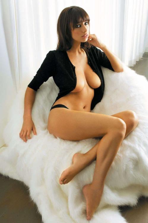 une femme nue du 70 mature